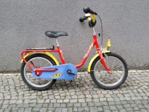 rotes gebrauchtes Kinderrad