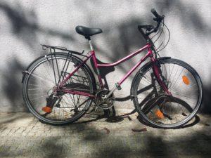 gebrauchtes violettes Damentourenrad