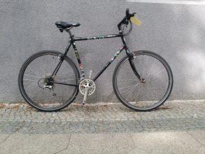 Großes schwarzes Herrenrad