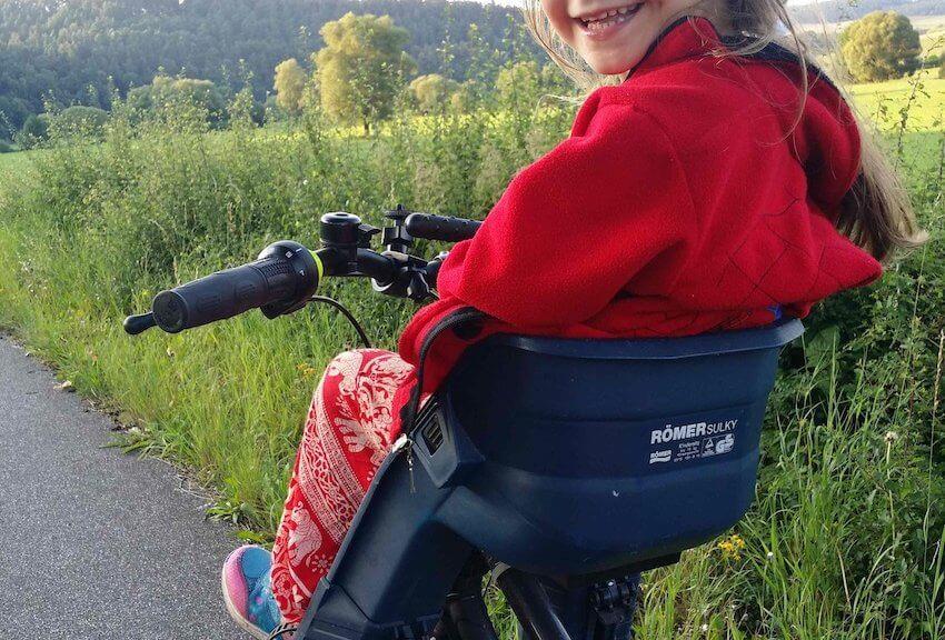Kindertransport auf dem Fahrrad