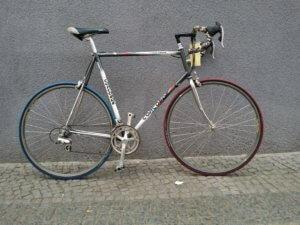 Rennrad, gebraucht mit großen Rahmen