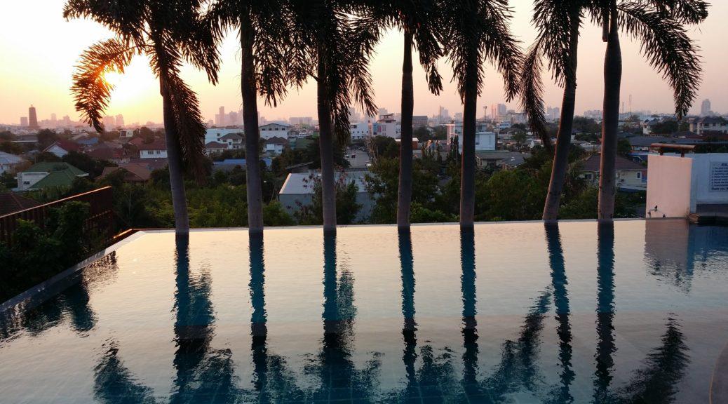 Über den Dächern von Bangkok