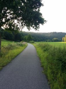 Der Bahnradweg ührt durch wunderschöne Täler
